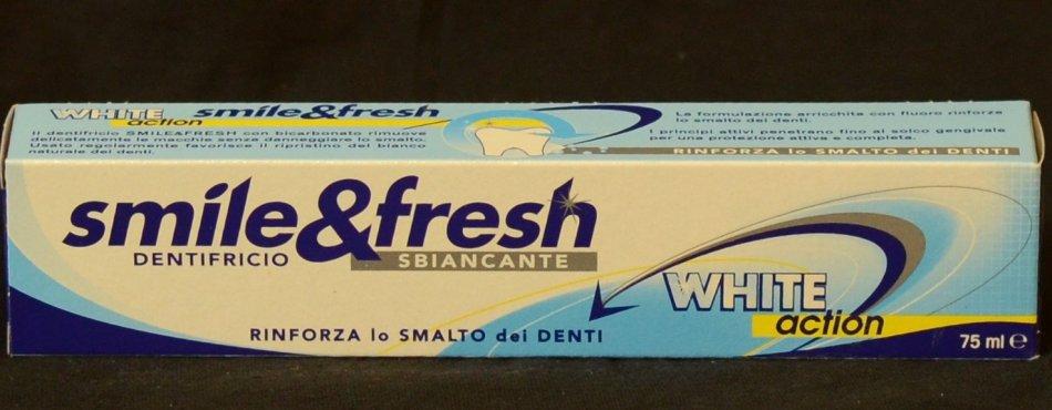 SMILE &  FRESH WHITE  ACTION SBIANCANTE ( PASTA  DE  DINTI CU EFECT  DE  ALBIRE )75 ml